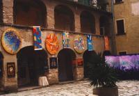 artisti di Orizzonti Aperti nel cortile del Castello Oldofredi