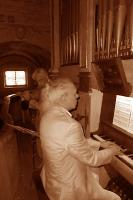 At pipe organ of Loreto  Church (NO)